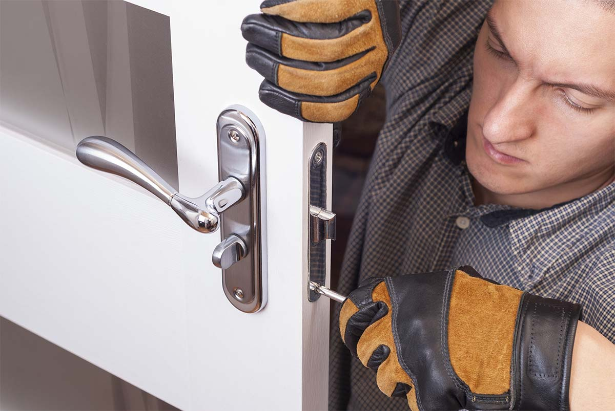 residential-locksmith-services-QUEENS-MOBI