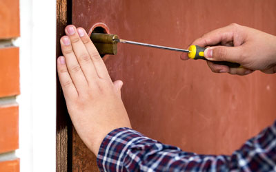 Locked out Flushing Call right-now (718) 404-4145 professional locksmith service in New-York