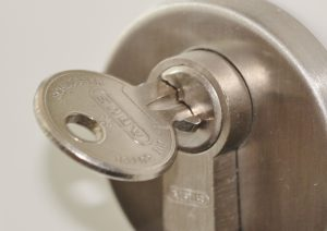 Rekeying Lock Service by Experts